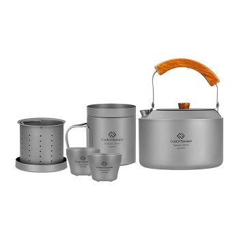 COOK'N'ESCAPE Camping Kettle Set Coffee-Tea pro, Lightweight Titanium Kettle with 2 Cups, Tea Maker Strainer for Outdoor Backpacking Camping Hiking and Picnic Cookware